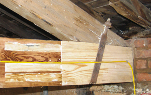 Wood Truss Repair : Article repairing timbers in buildings structural